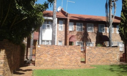 On Auction - 2 Bed Property On Auction in Garsfontein