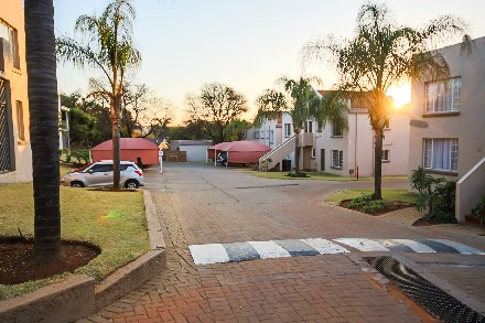 On Auction - 3 Bed Flat On Auction in Garsfontein