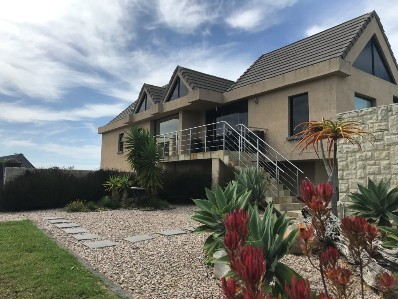 On Auction - 4 Bed House On Auction in Mossel Bay