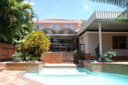 On Auction - 3 Bed House On Auction in Florauna