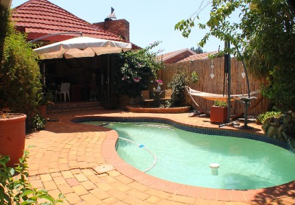 On Auction - 2 Bed House On Auction in Rooihuiskraal
