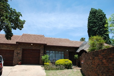 On Auction - 4 Bed Property On Auction in Garsfontein