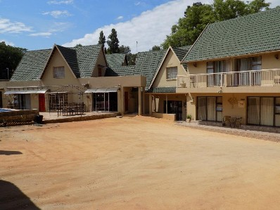 On Auction - 20 Bed Guest House On Auction in Bryanston
