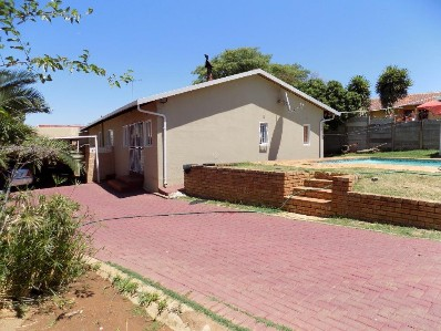 On Auction - 3 Bed Home On Auction in Naturena