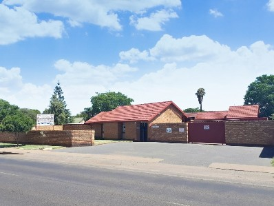 On Auction -  Commercial Property On Auction in Silverton