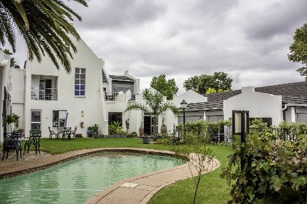On Auction - 10 Bed Guest House On Auction in Eldoraigne