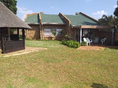 On Auction - 3 Bed Property On Auction in Glenvista