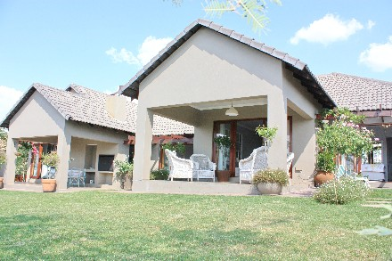 On Auction - 4 Bed House On Auction in Mooikloof