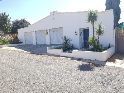 On Auction - 3 Bed Home On Auction in Westdene