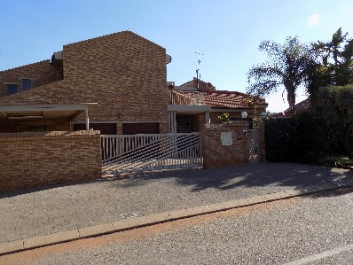 On Auction - 7 Bed Property On Auction in Meyersdal
