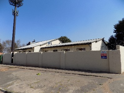 On Auction - 11 Bed House On Auction in Jan Hofmeyer