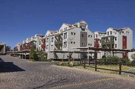 On Auction - 1 Bed Apartment On Auction in Fourways