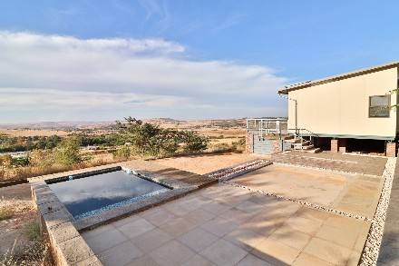 On Auction - 5 Bed House On Auction in Protea Ridge