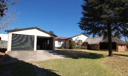 On Auction - 3 Bed Home On Auction in Birchleigh North