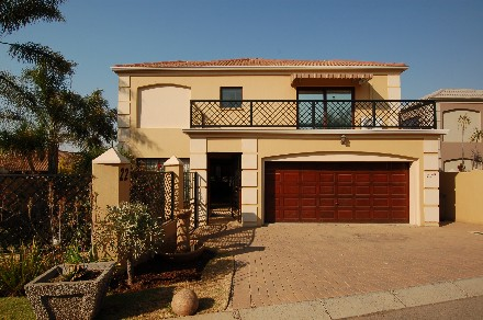 On Auction - 3 Bed House On Auction in Noordheuwel