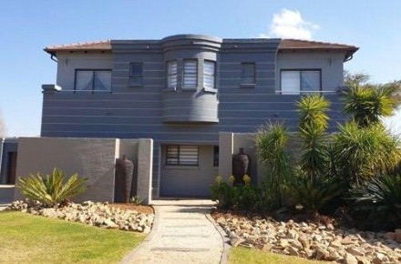 On Auction - 4 Bed Home On Auction in Pretoria East