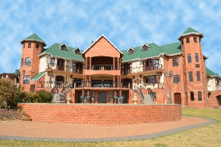 On Auction - 5 Bed Home On Auction in Bredell