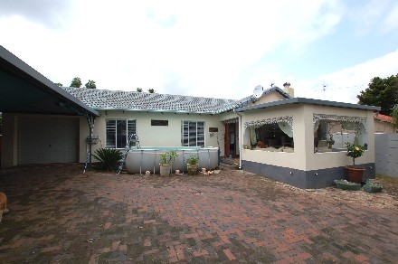 On Auction - 3 Bed House On Auction in Radiokop