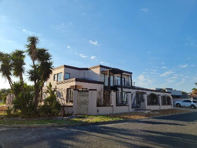 On Auction - 4 Bed House On Auction in Kuils River