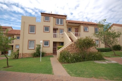 On Auction - 2 Bedroom, 2 Bathroom  Property On Auction in Sunninghill