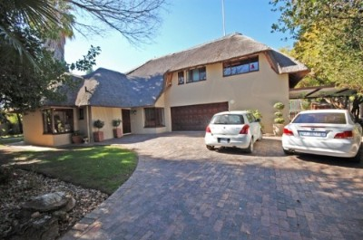On Auction - 3 Bedroom, 2 Bathroom  House On Auction in Sunninghill, Sandton