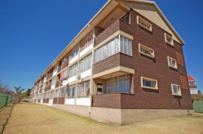 On Auction - 1 Bedroom, 1 Bathroom  Apartment On Auction in Rhodesfield