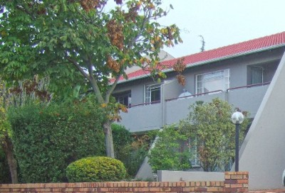 On Auction - 2 Bedroom, 1 Bathroom  Flat On Auction in Northwold