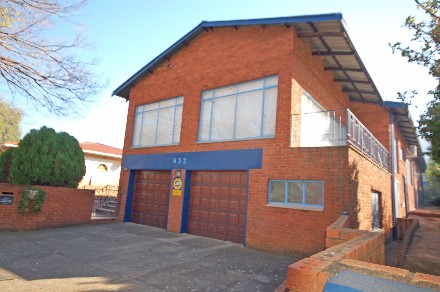 On Auction - 5 Bedroom, 2 Bathroom  Property On Auction in Mountain View, Pretoria, Central