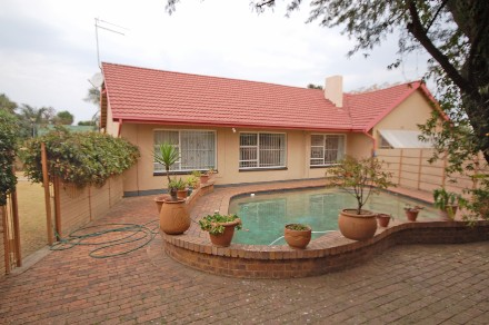 On Auction - 4 Bed Property On Auction in Dalpark