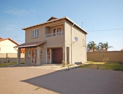 On Auction - 3 Bed Property On Auction in Ormonde