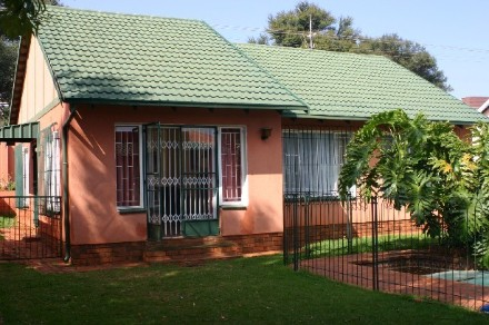 On Auction - 4 Bed House On Auction in Westdene