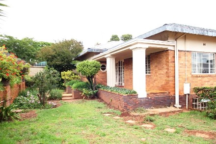 On Auction - 13 Bed House On Auction in Westdene