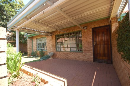 On Auction - 1 Bed Property On Auction in Newlands