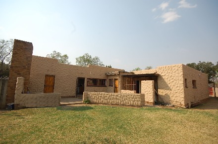 On Auction - 11 Bed Property On Auction in Vanderbijlpark South East 7