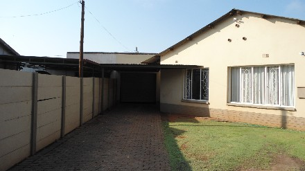 On Auction - 3 Bed House On Auction in Delmas