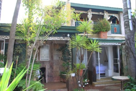 On Auction - 7 Bed Guest House On Auction in Westdene