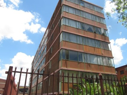 On Auction - 3.5 Bed Apartment On Auction in Arcadia