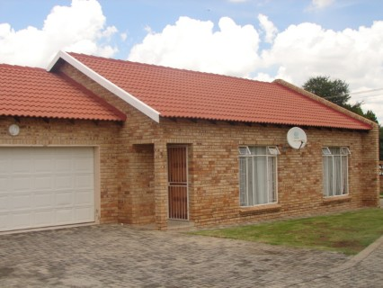 On Auction - 2 Bed Property On Auction in Klerksdorp