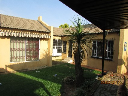 On Auction - 4 Bed Property On Auction in Corlett Gardens