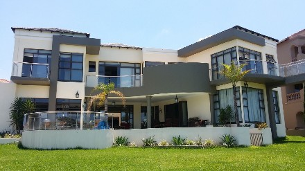 On Auction - 10 Bed Property On Auction in Blue Valley