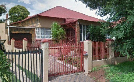 On Auction - 3 Bed House On Auction in Roodepoort North