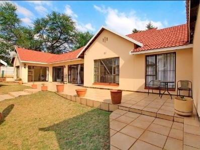 On Auction - 4 Bed Home On Auction in Rivonia