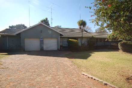 On Auction -  Property On Auction in Constantia Kloof