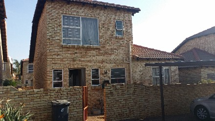 On Auction - 3 Bed Property On Auction in Celtisdal