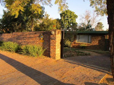 On Auction - 4 Bed House On Auction in Hazelwood