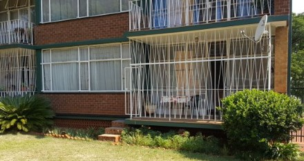 On Auction - 2.5 Bed Flat On Auction in Wonderboom South