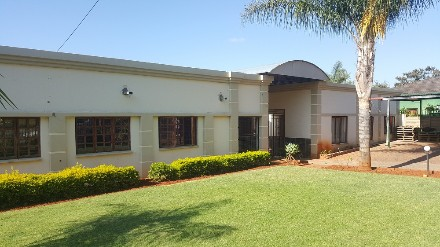 On Auction - 4 Bed Property On Auction in Mountain View