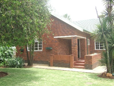 On Auction - 3 Bed Home On Auction in Rhodesfield
