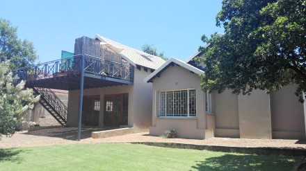 On Auction - 4 Bed Property On Auction in Lynnwood Manor