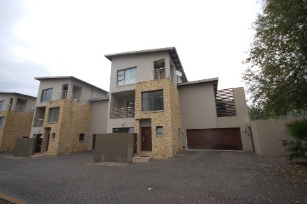 On Auction - 3 Bed Flat On Auction in Rivonia
